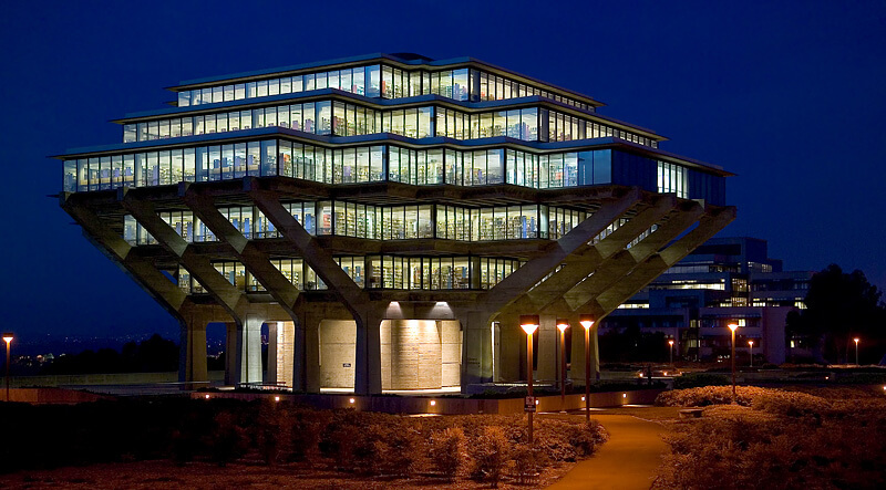 An distinctive original design the university library for Modern library building design