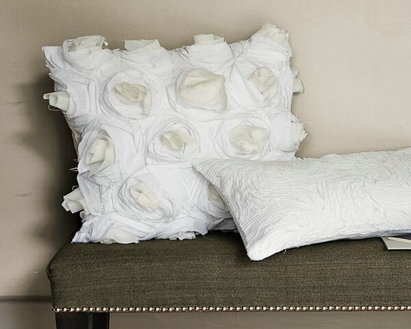 img5l Roses Pillow cover