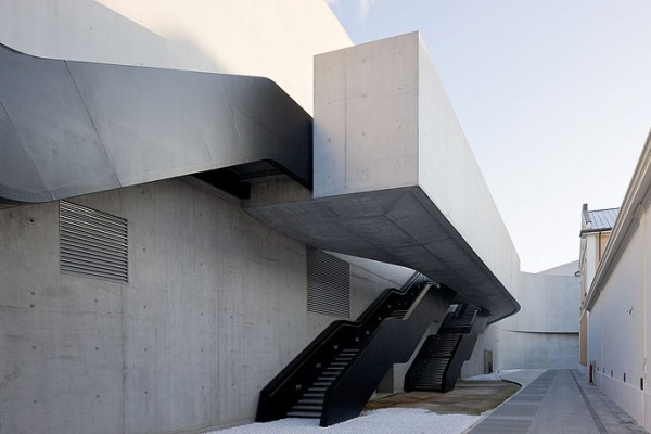 MAXXI Rome ZHA 9471 600x400 The MAXXI by Zaha Hadid Architects