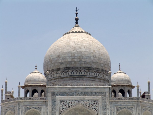 Taj Mahal closeup 5 600x450 The Taj Mahal most famous architecture places on India FJTXUVWU9ASS