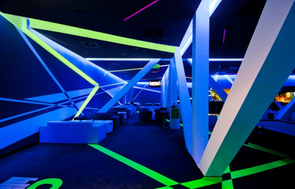 club design 4 600x385 Blackbox Club Timisoara Mall designed by Parasite Studio