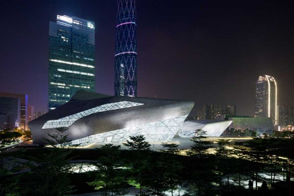 guangzhou opera house 12 600x400 Guangzhou Opera House by Zaha Hadid Architect