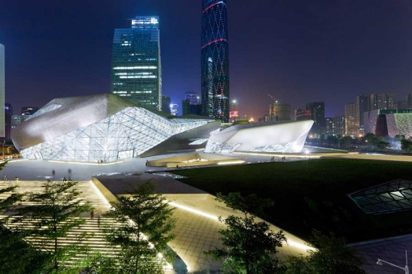 guangzhou opera house 16 600x400 Guangzhou Opera House by Zaha Hadid Architect