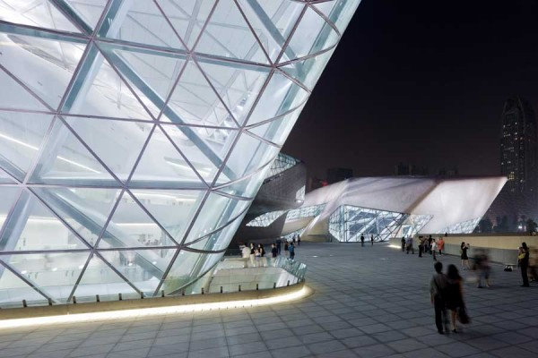 guangzhou opera house 22 600x400 Guangzhou Opera House by Zaha Hadid Architect