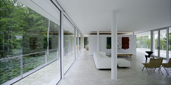 transparence design exterior 9 600x299 Remarkable design  The Olnick Spanu House by Alberto Campo Baeza
