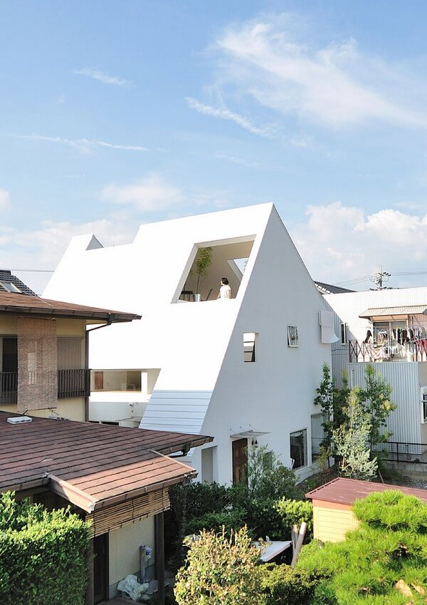 Montblanc House 1 Montblac house great architecture designed by Okazaki based StudioVelocity