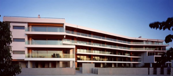 luxury appartament 600x266 360° Apartment Building by Greek studio Divercity Architects