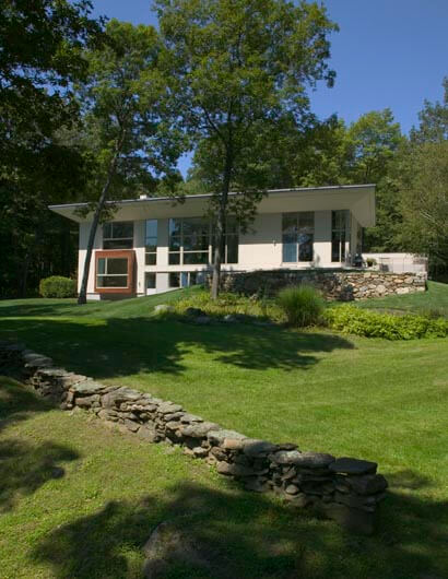 modern architecture 1 Pawling Residence modern architecture design with a trendy interior design in New York