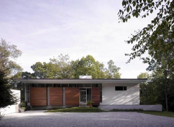 modern architecture 11 600x438 Pawling Residence modern architecture design with a trendy interior design in New York