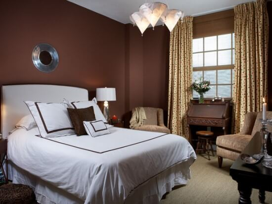 How to choose colors for a bedroom interior design Dark brown walls bedroom