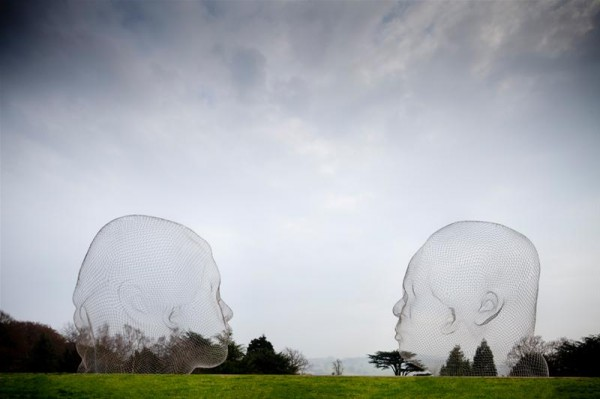 human sclupture architecture 10 600x399 Jaume Plensa Yorkshire Sculpture Park