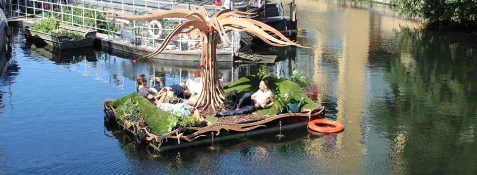 floating boat (1)