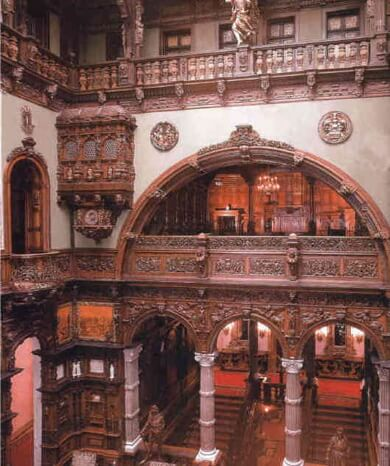 Peles.jpg 1 Peles Castle a beautiful architecture design