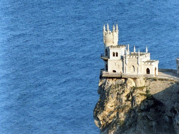 castle nest 10 600x450 Swallows Nest Castle Design Crimea