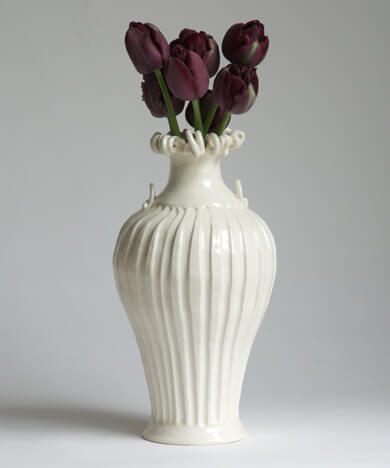 May Pot Gorgon Rim L 5 Types of Charming Handmade Vases