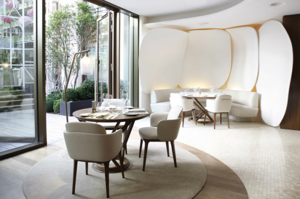 Screen shot 2011 07 14 at 4.35.33 PM1 600x398 Ultra Modern Design for Restaurant and Bar in Mandarin Oriental Paris