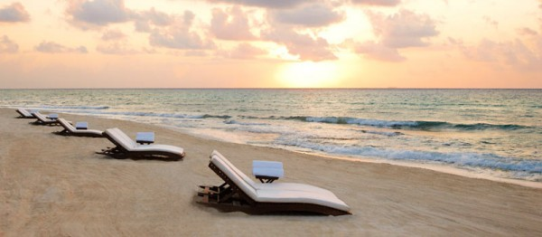 TidesRivieraMaya Sunrise 600x262 Best 10 Luxury Honeymoon Resorts