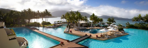 hayman pool bar 600x196 Best 10 Luxury Honeymoon Resorts