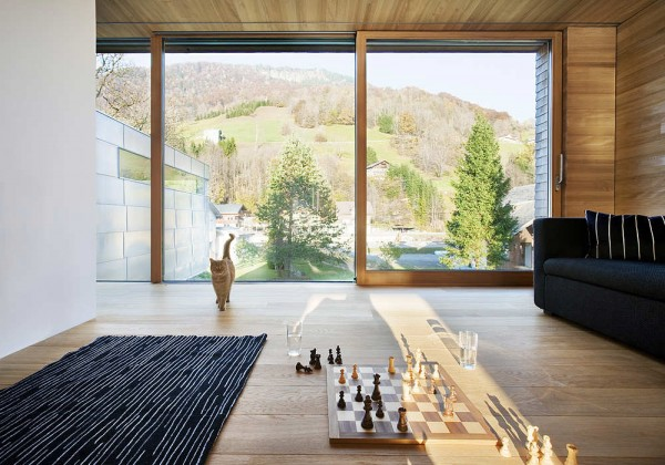 1307745911 19 interior 600x420 Striking Residence With Magnificent Alps Views