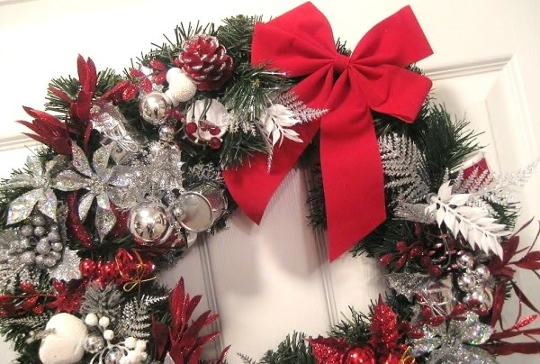 7706 600x404 2011 Inspirational Enchanting Christmas Wreaths