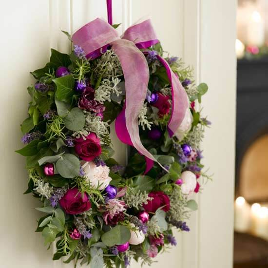 96 000008411 f32d wreath2 2011 Inspirational Enchanting Christmas Wreaths