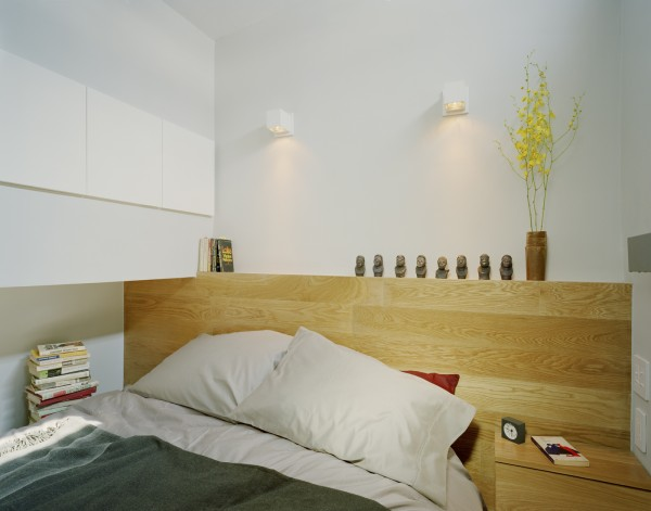 EVillageStudio 041 600x471 Modern Small Apartment With Delightul Details