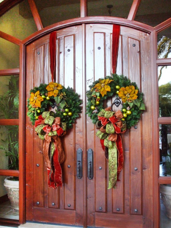 RMS Leanne Micheal Interiors Wreaths Front Doors s3x4 lg 600x799 2011 Inspirational Enchanting Christmas Wreaths