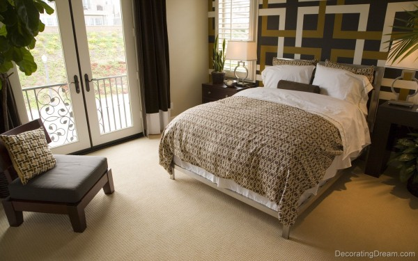 Small Bedroom Setting 600x375 Small Bedroom Design Ideas