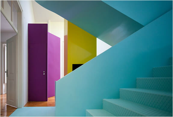 img casa torres vedras pedro gadanho 5 Unconventional House Bursting with Color and Futuristic Details