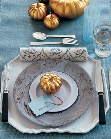 la102862 1107 bluestg xl 20 Creative Thanksgiving Table Settings Ideas