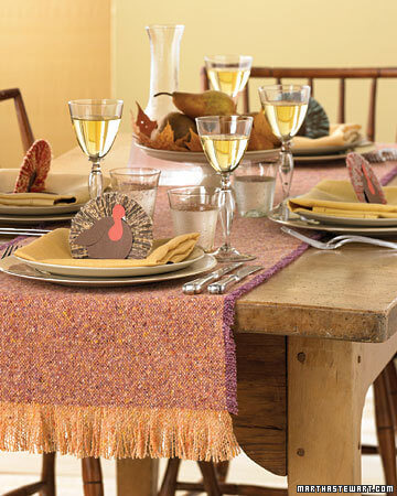 la103268 1107 table xl 20 Creative Thanksgiving Table Settings Ideas