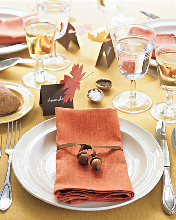 mla103704 1108 napkintie xl 20 Creative Thanksgiving Table Settings Ideas