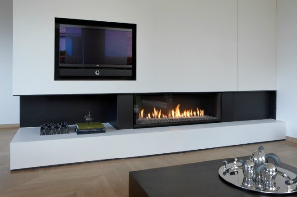 modern fireplace5 600x399 Attractive Modern Fireplaces Designs