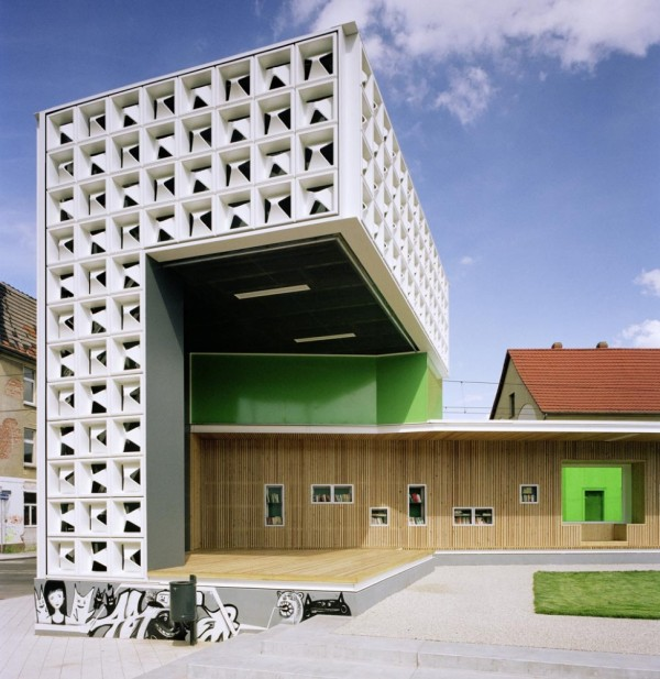 open air germany 600x617 Open Air Library in Magdeburg, Germany