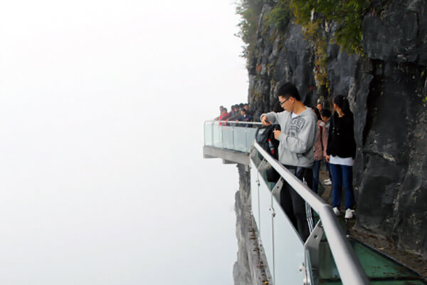 361457809201111109267 Transparent Glass Skywalk in China's Tianmen Mountain Park