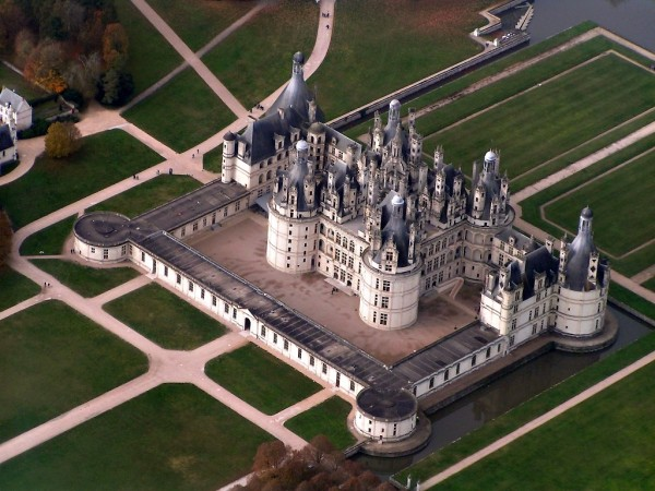 Chateau de Chambord.jpg 8 600x450 Chateau de Chambord a Renaissance Chateau in the Heart of the Loire Valley, France