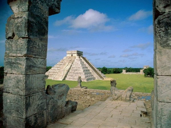 Chichen Itza mexico 5942392 800 600 600x450 100 Most Famous Landmarks Around the World