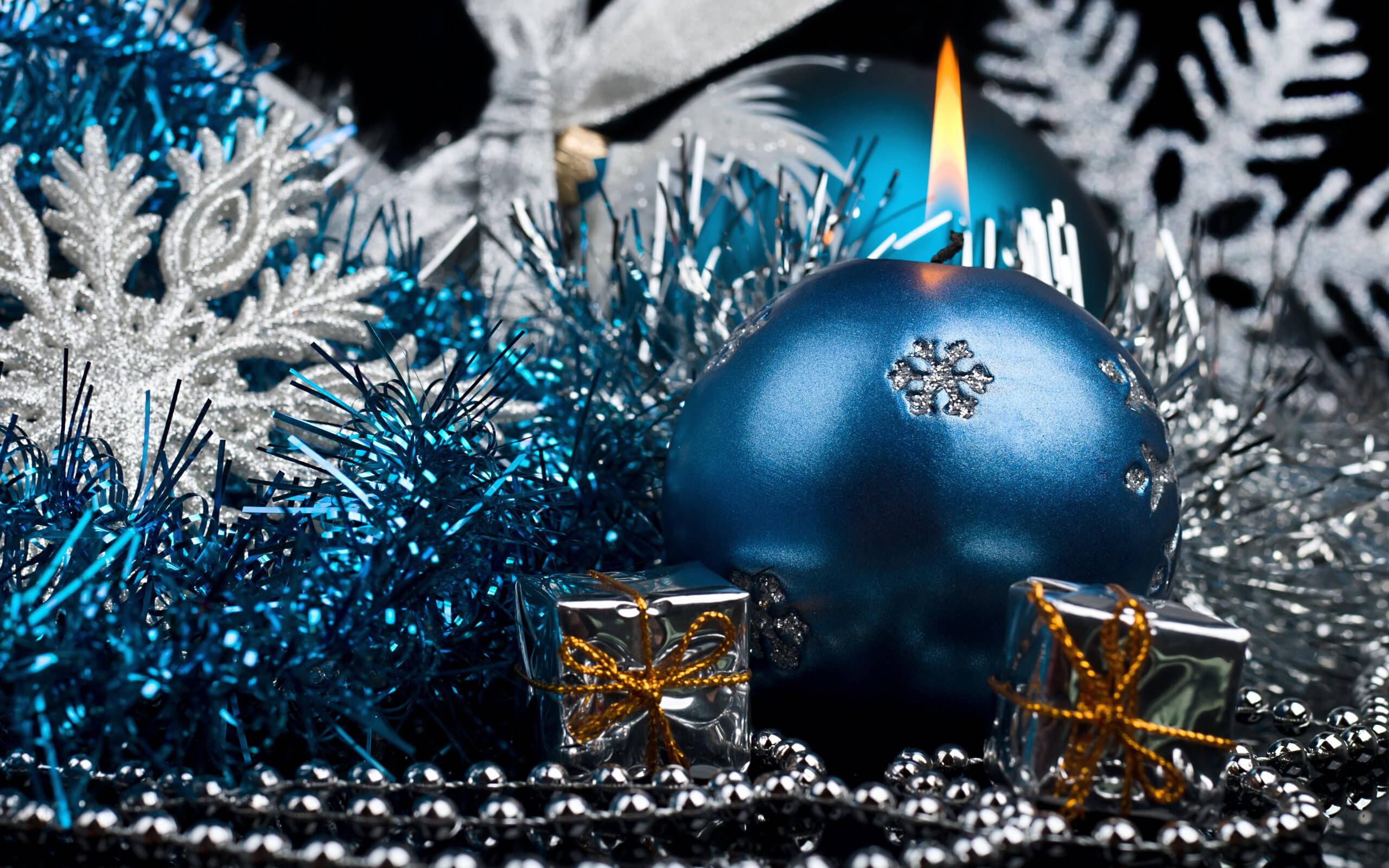 Christmas-candle-decoration (1)