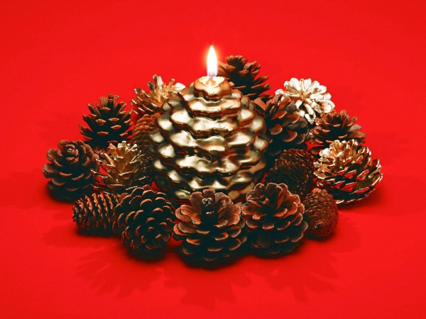 Christmas candle decoration 9 600x450 Candle Making and Decorating Ideas for Christmas