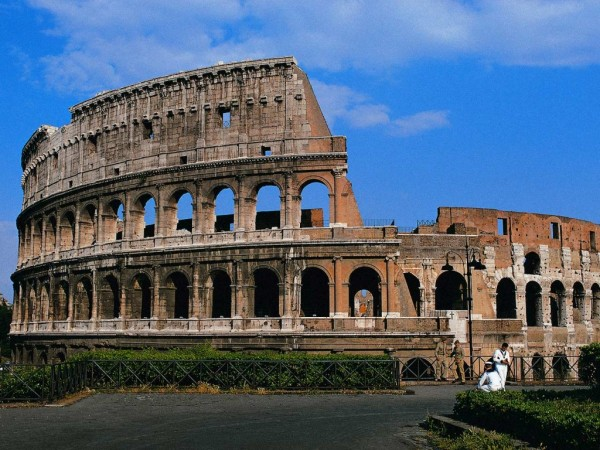DOT Italy Rome Colosseum 1 600x450 100 Most Famous Landmarks Around the World