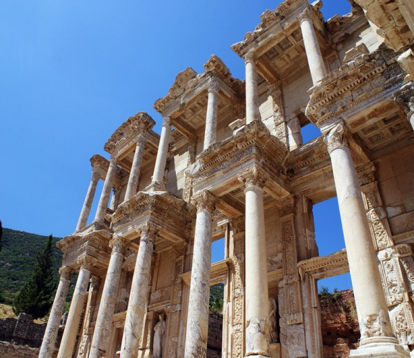 Ephesus by Bamboo 641 600x519 100 Most Famous Landmarks Around the World