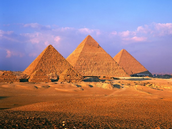Giza Pyramids1 600x450 100 Most Famous Landmarks Around the World