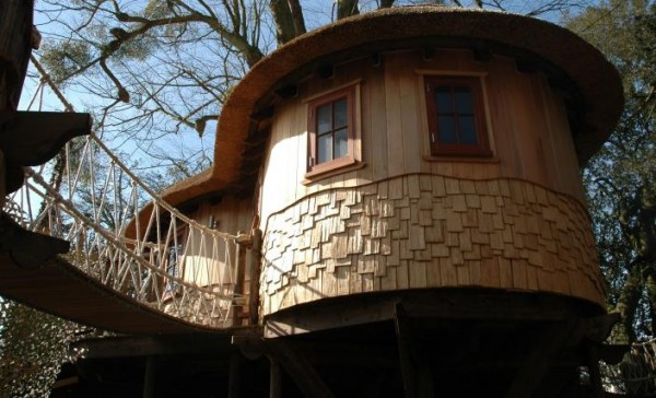 Herts 48 gallery image 600x364 Outstanding Luxury Tree Houses Designs by Blue Forest