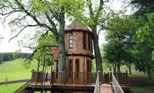 IMG 0036 gallery image 600x364 Outstanding Luxury Tree Houses Designs by Blue Forest