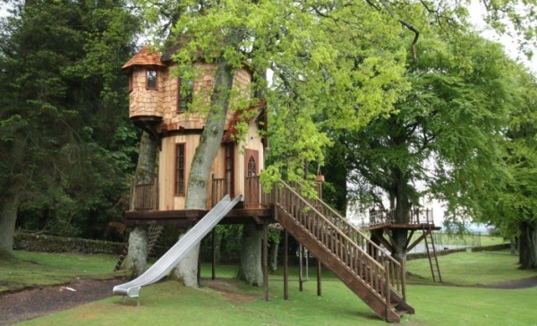 IMG 0041 gallery image 600x364 Outstanding Luxury Tree Houses Designs by Blue Forest