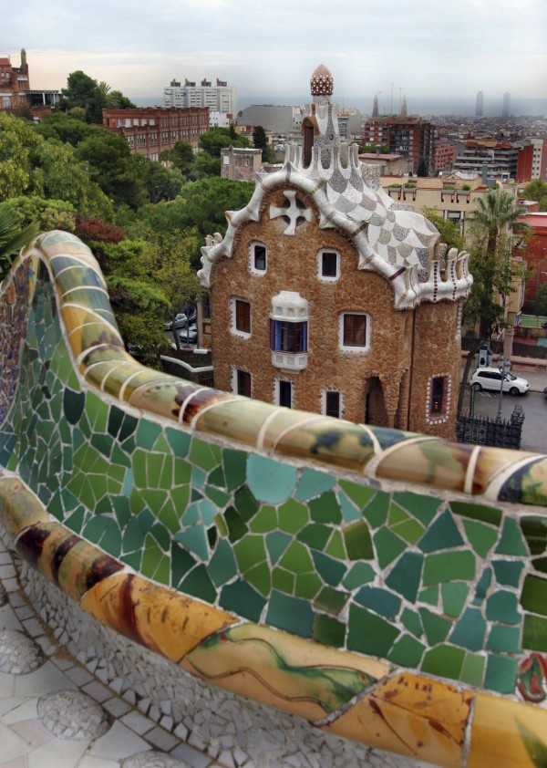 ParcGuell000003094925 600x842 100 Most Famous Landmarks Around the World