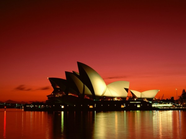 Scarlet Night Sydney Opera House Sydney Australia 600x450 100 Most Famous Landmarks Around the World