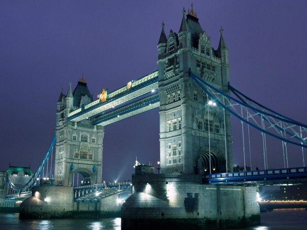Tower Bridge 600x450 100 Most Famous Landmarks Around the World