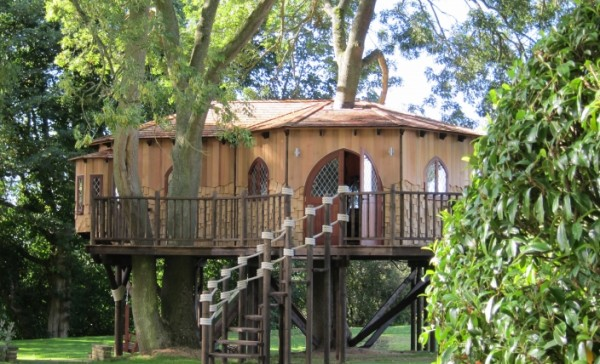 Tree House Office 1 gallery image 600x364 Outstanding Luxury Tree Houses Designs by Blue Forest