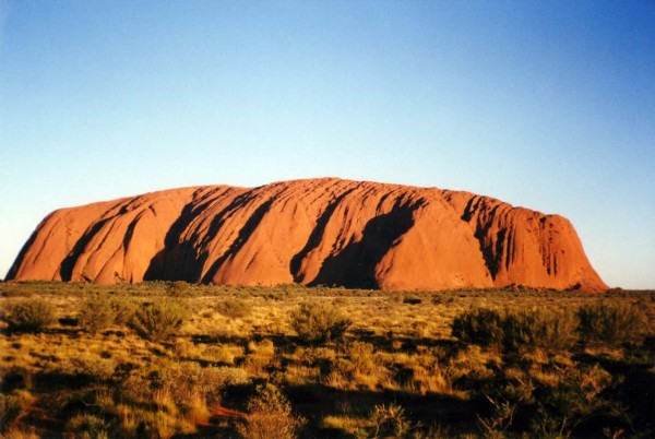 image 05 uluru 600x402 100 Most Famous Landmarks Around the World